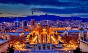 barcelona-blaue-stunde-df58d77c-0b29-44ca-9368-0ced6920ce73