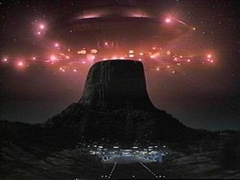 alien_mothership_close_encounters_xlarge